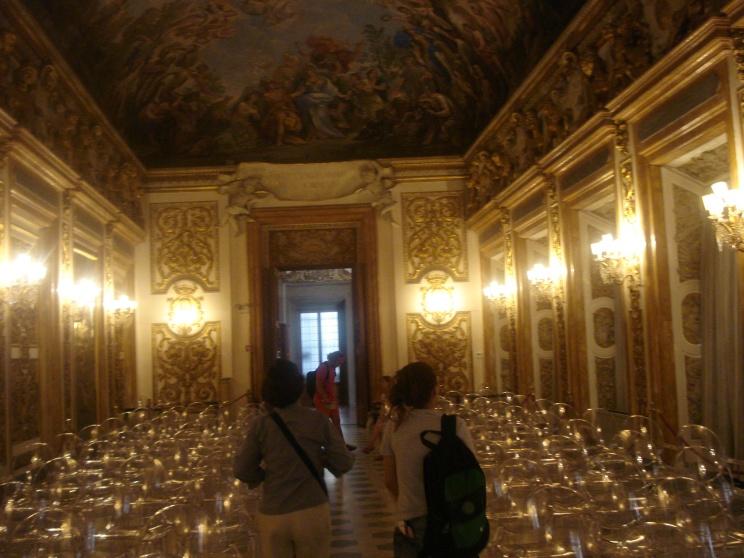 Uma das salas no Palácio Médice